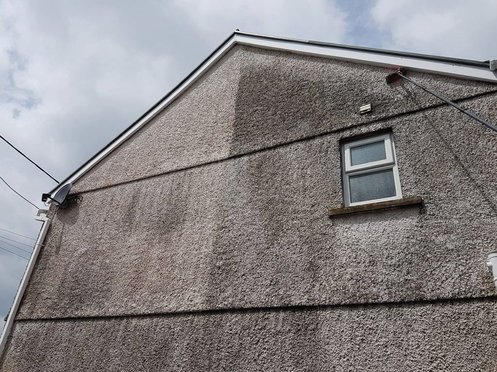 Comserve-Ltd-Pressure-Washing-Carmarthenshire-House-Wall-Cleaning-